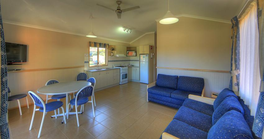 BIG4 Moruya Deluxe Unit Living Area