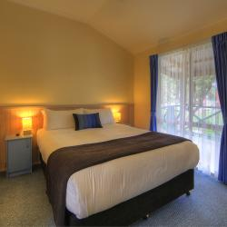 All cabins offer a comfy queen sized bed with soft linen