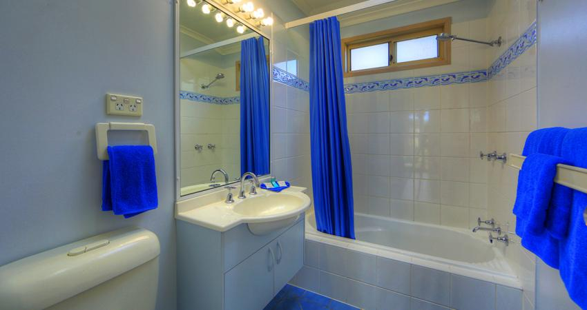 BIG4 Moruya Villa Unit Bathroom